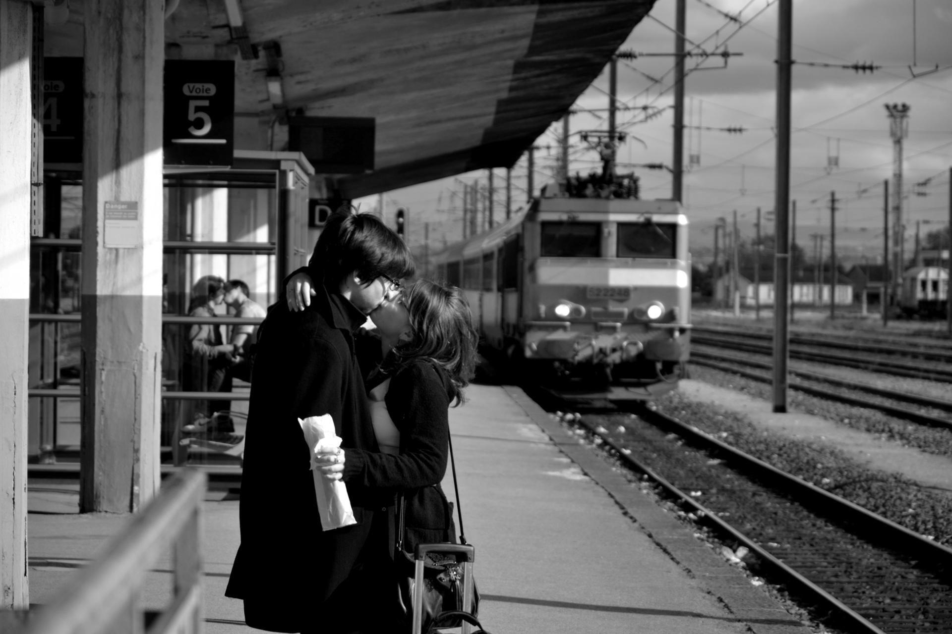 Resultado de imagen de kiss goodbye