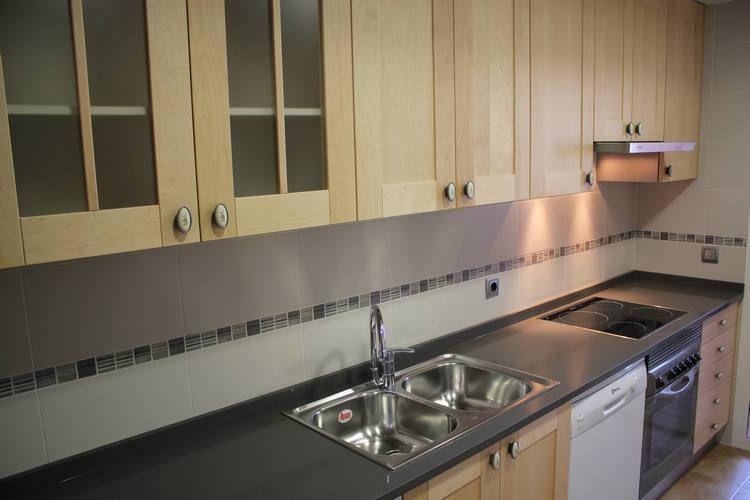 Diseño de #cocinas. #linea3cocinas #Madrid #vitrinas | Vitrinas en ...