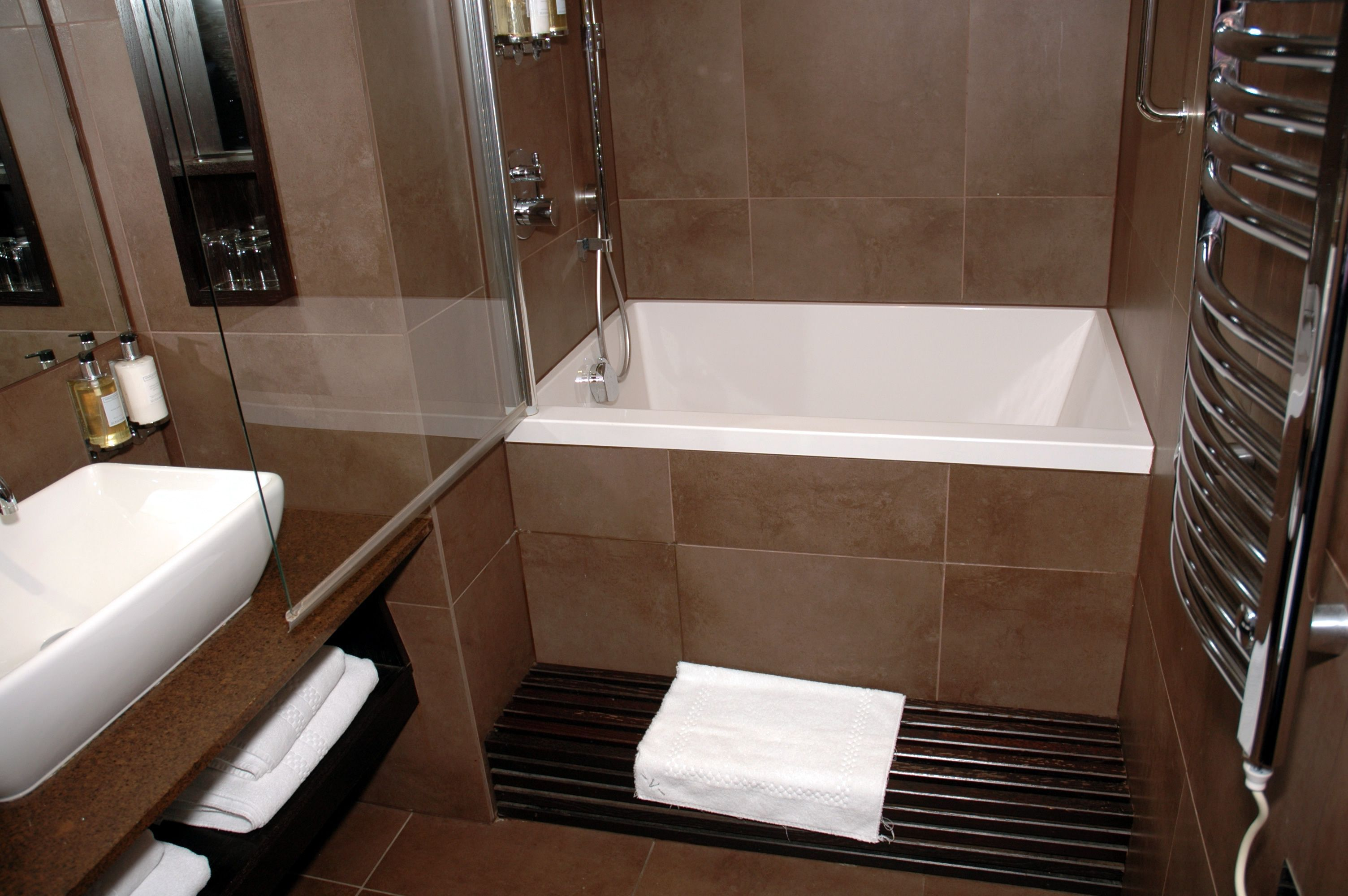 Modern Tiny Apartment Bathroom With Small Built In Bathrub With