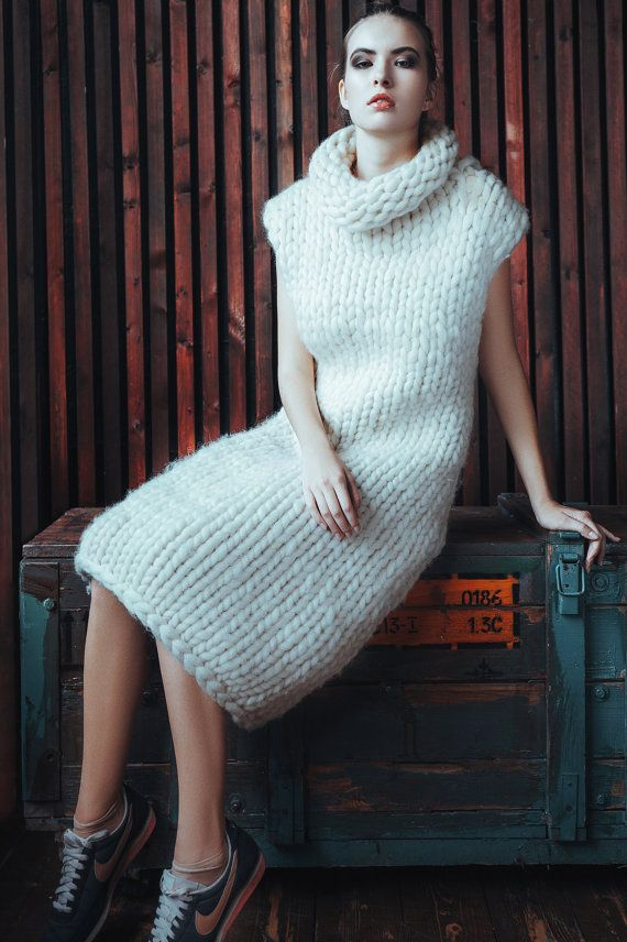 Chunky knit - Sleeveless sweater - dress. Super chunky knit ... 39db520a282a