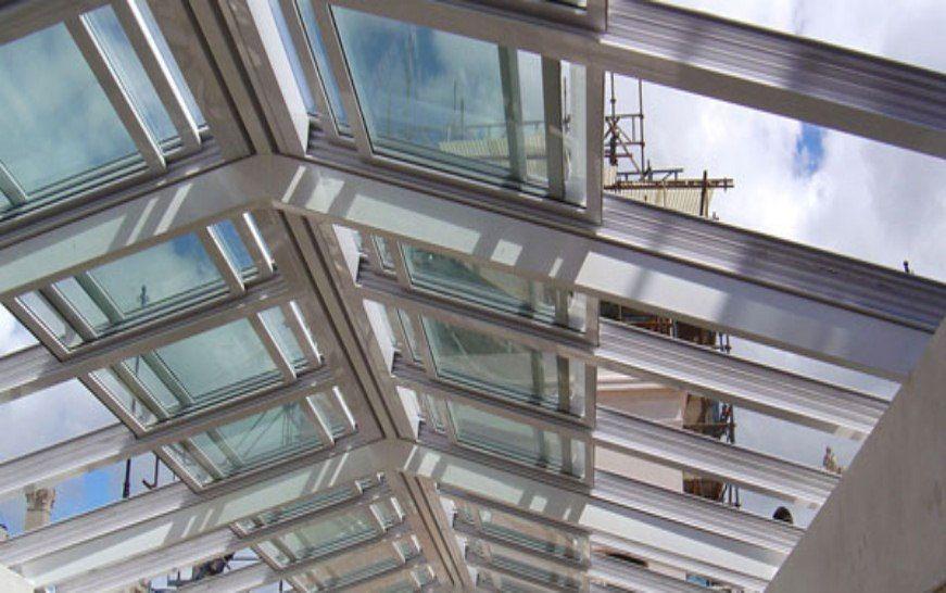 Cortinas de Cristal Cerramientos panorámicos Cierres para