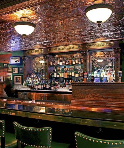 Scottish Pub Bar: Quinn's Steakhouse & Irish Bar 96 Richmond St. West