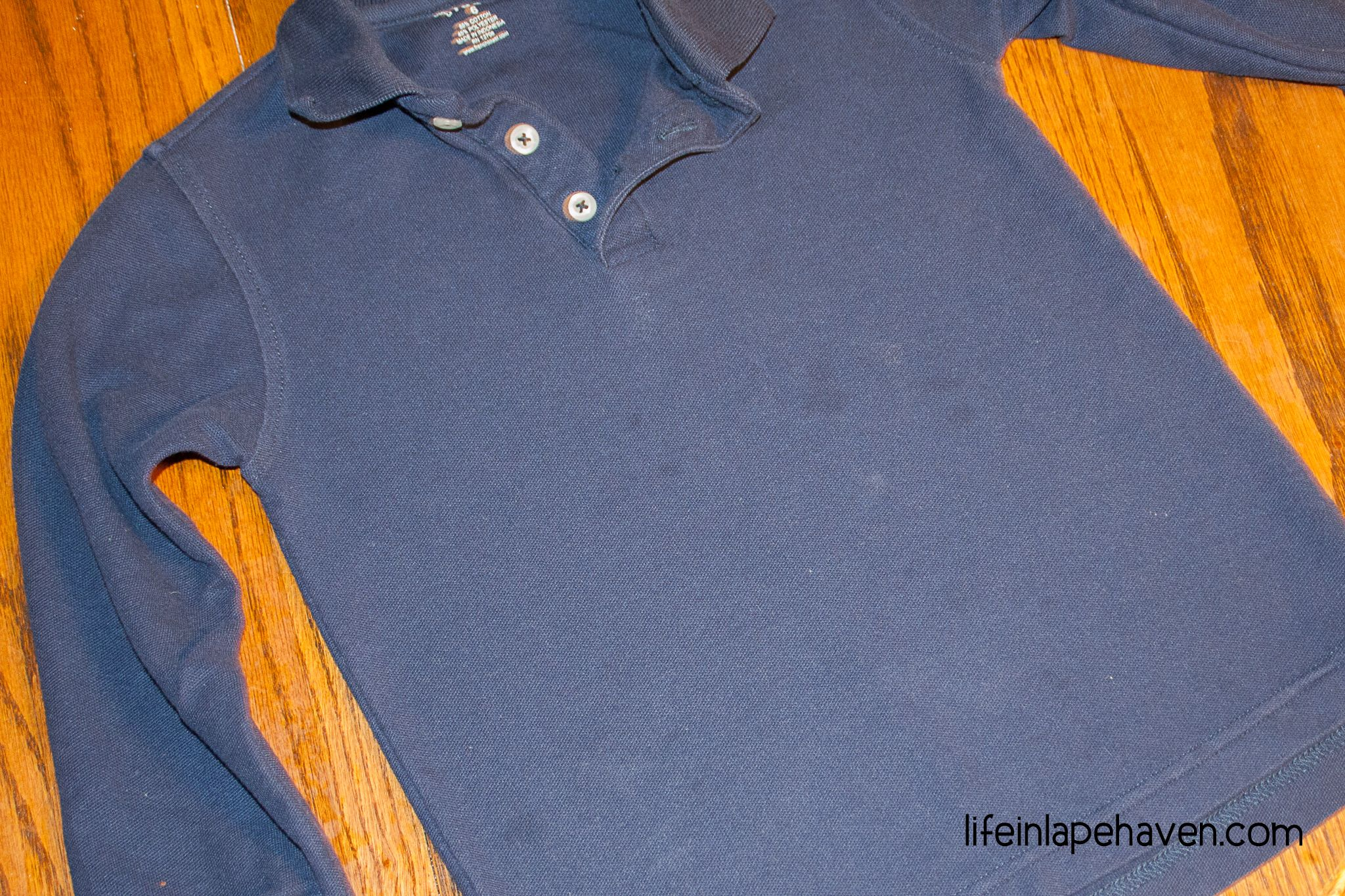How To Get Grease Stains Even Set In Ones Out Of Clothing Grease Stains Get Out Grease Stains Remove Oil Stains