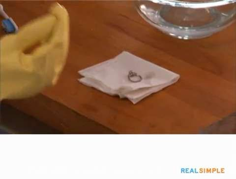 How Clean Diamond Ring Cleaning Rings