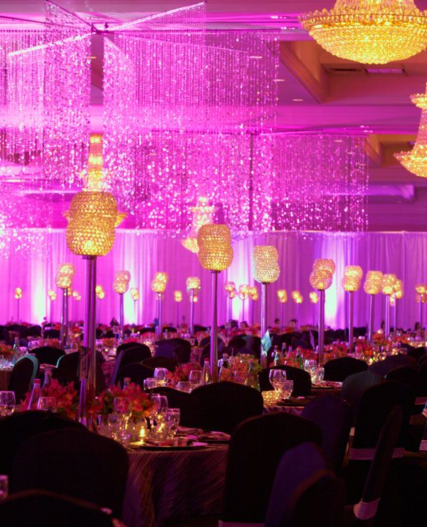 Love this glamorous way to light up the wedding reception!
