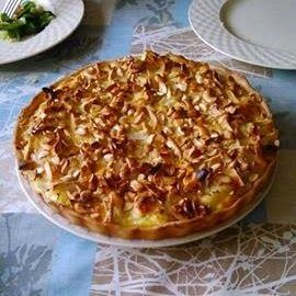 Cooking in the Brewery: Cauliflower pie with brie and cashew nuts