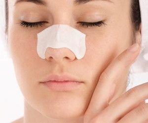Blackheads: Causes and Solutions.  Skin care tips, get rid of blackheads.