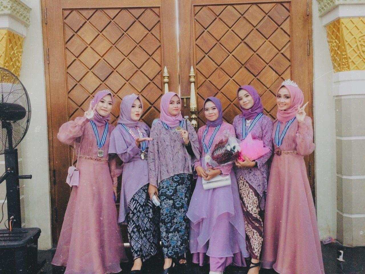 Photo of Kebaya graduation
