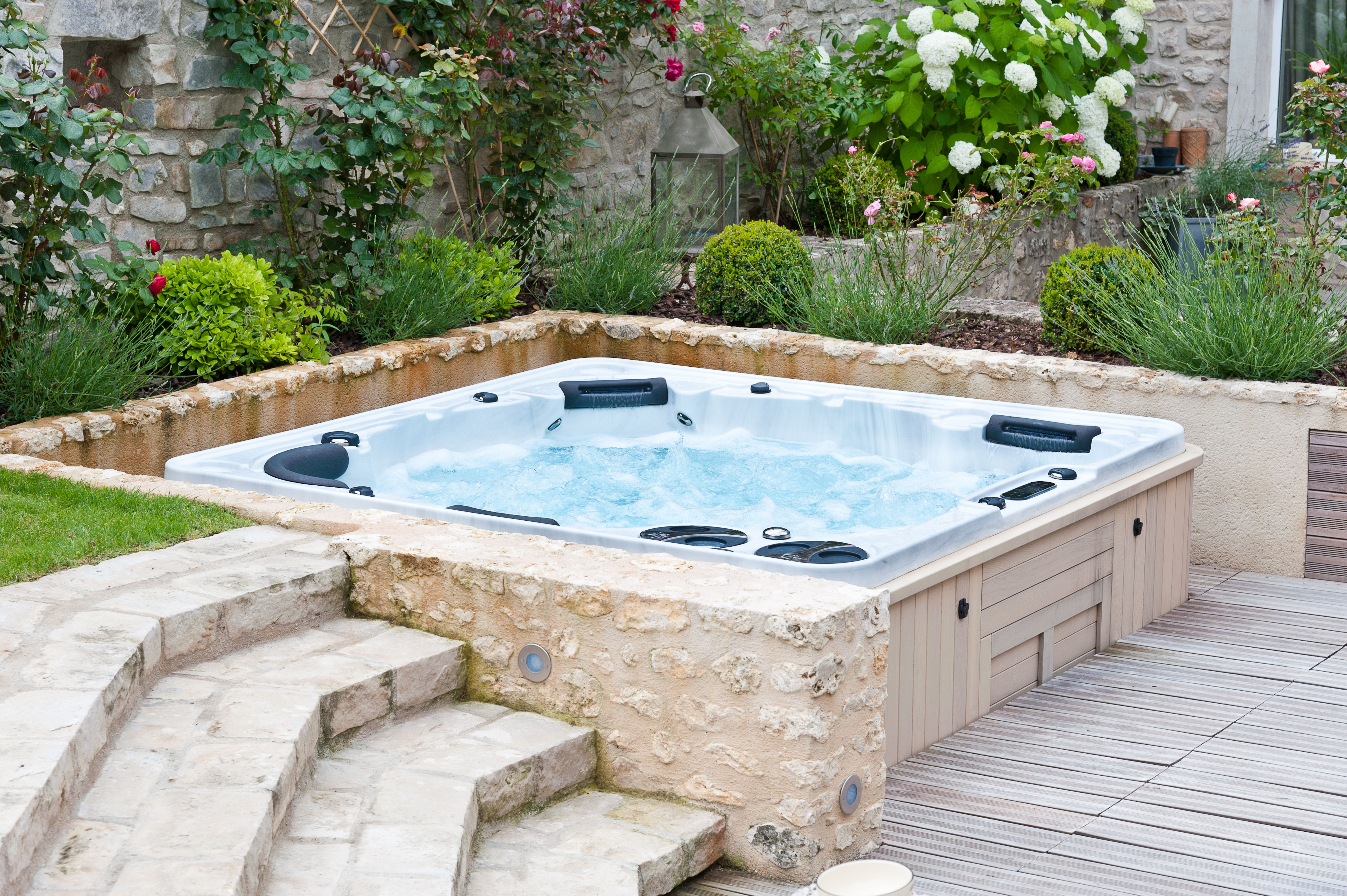 Tips on how to save money on your hot tub\'s monthly energy cost ...