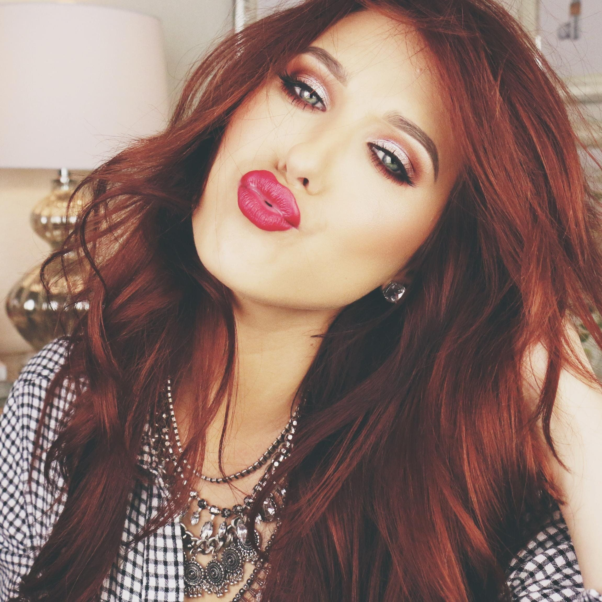 3 Jaclyn Hill 3 Shes A Natural Blonde And Is An Amazing Red Head
