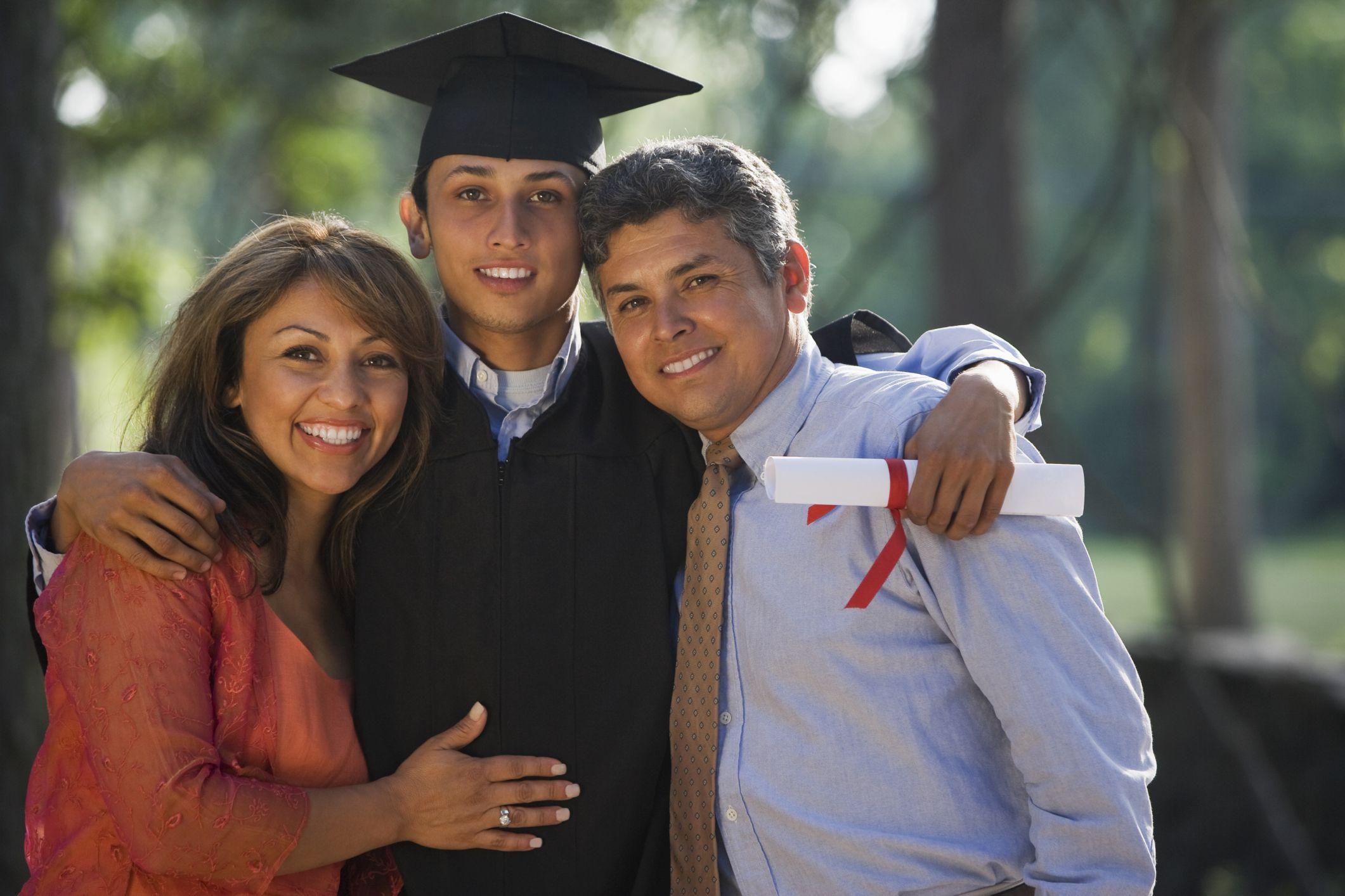 d288a4de936 Proper Attire for High School Graduation
