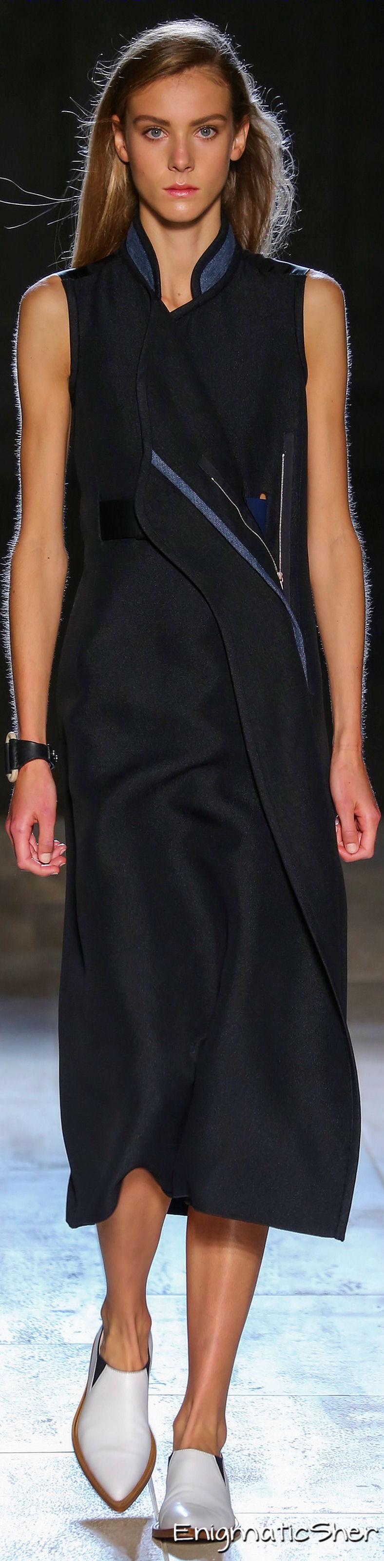 Farb- und Stilberatung mit www.farben-reich.com - Victoria Beckham Spring Summer 2015 Ready-To-Wear