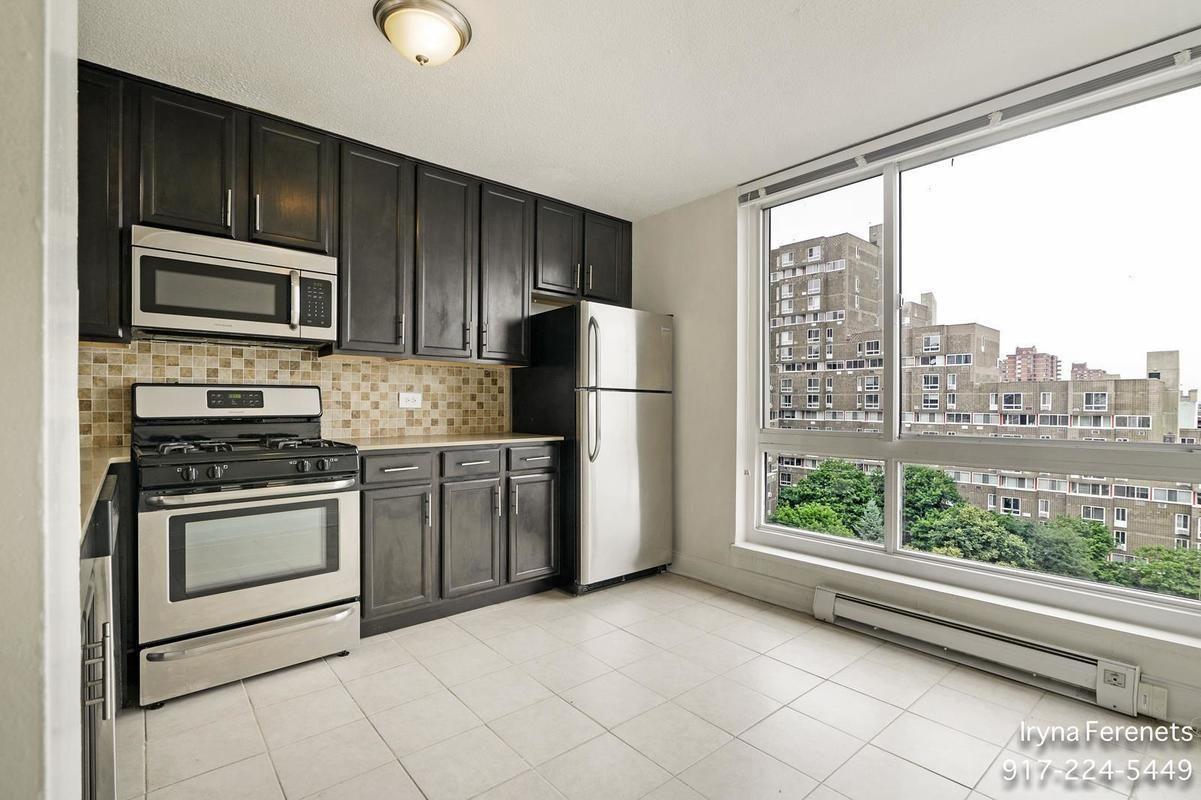 New York City Manhattan Kitchen 540 Main Street Apartment 428 Roosevelt Island Buying A New Home Manhattan Kitchen New Homes
