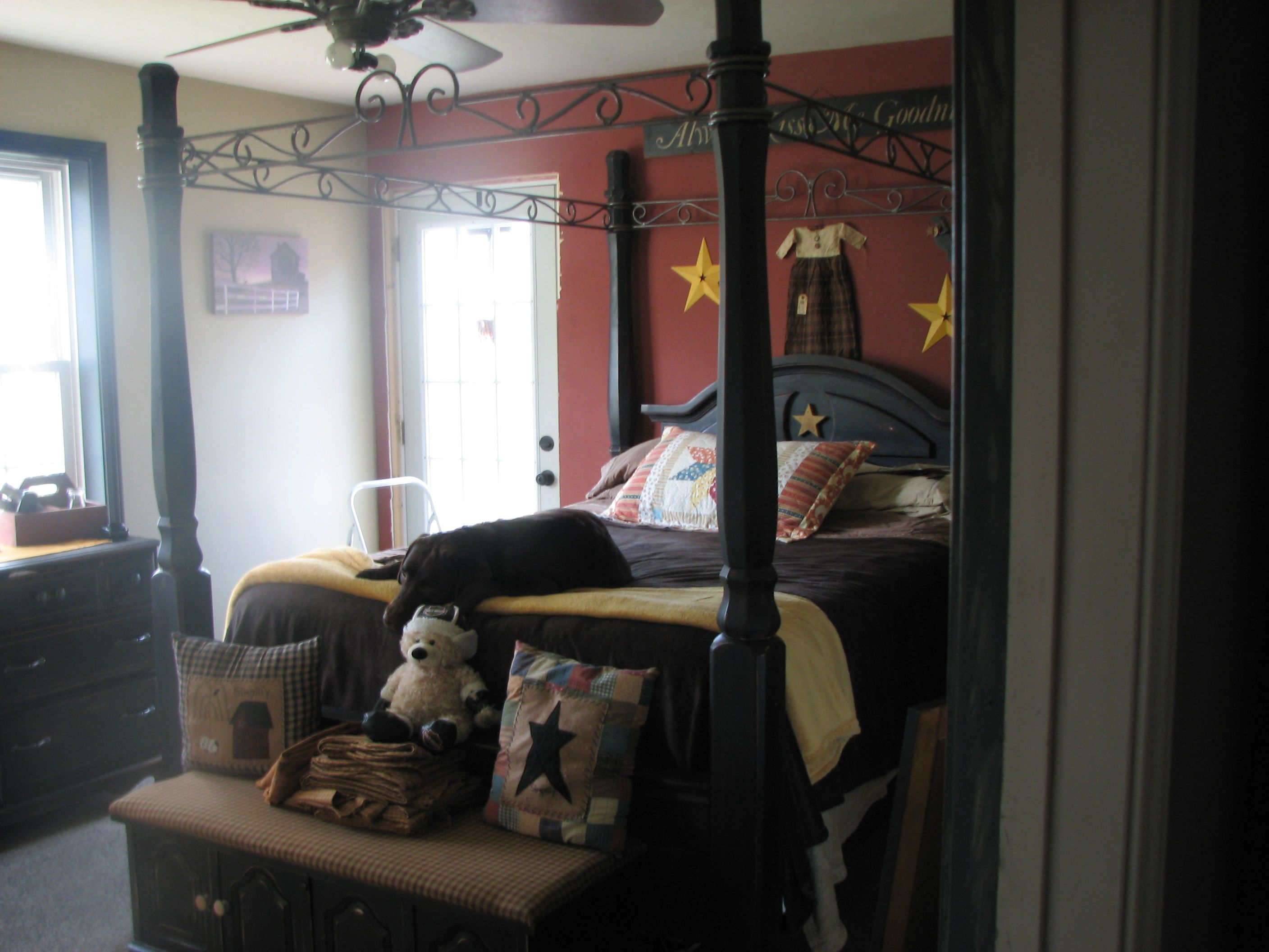i completely restored this bed i found on craigslist