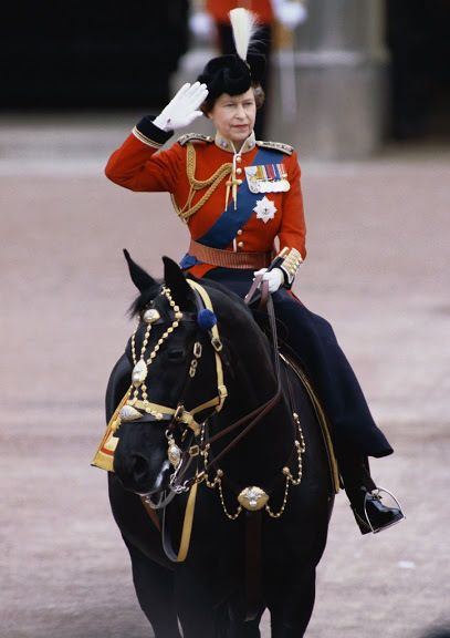 Art print POSTER CANVAS Queen Elizabeth II at Trooping the Color