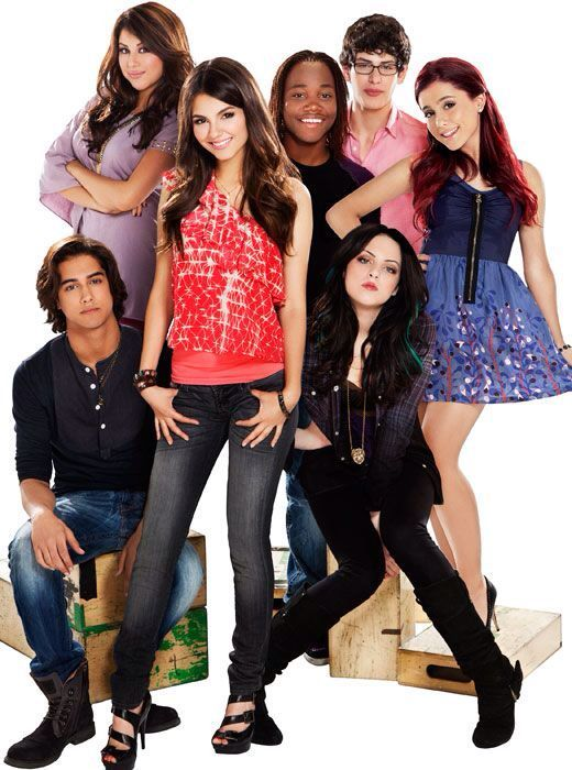 Ariana With The Rest Of The Victorious Cast Victorious Cast Victorious Nickelodeon Victorious