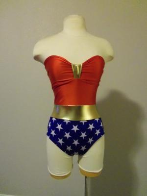 diseñador de moda 71c05 c8e1c mujer maravilla! la cola te brilla! | Halloween | Trajes de ...