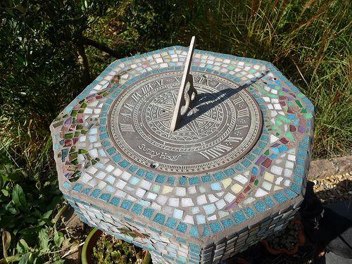 Our Beautiful Mosaic Sundial Sundial Mosaic Diy Garden Stones