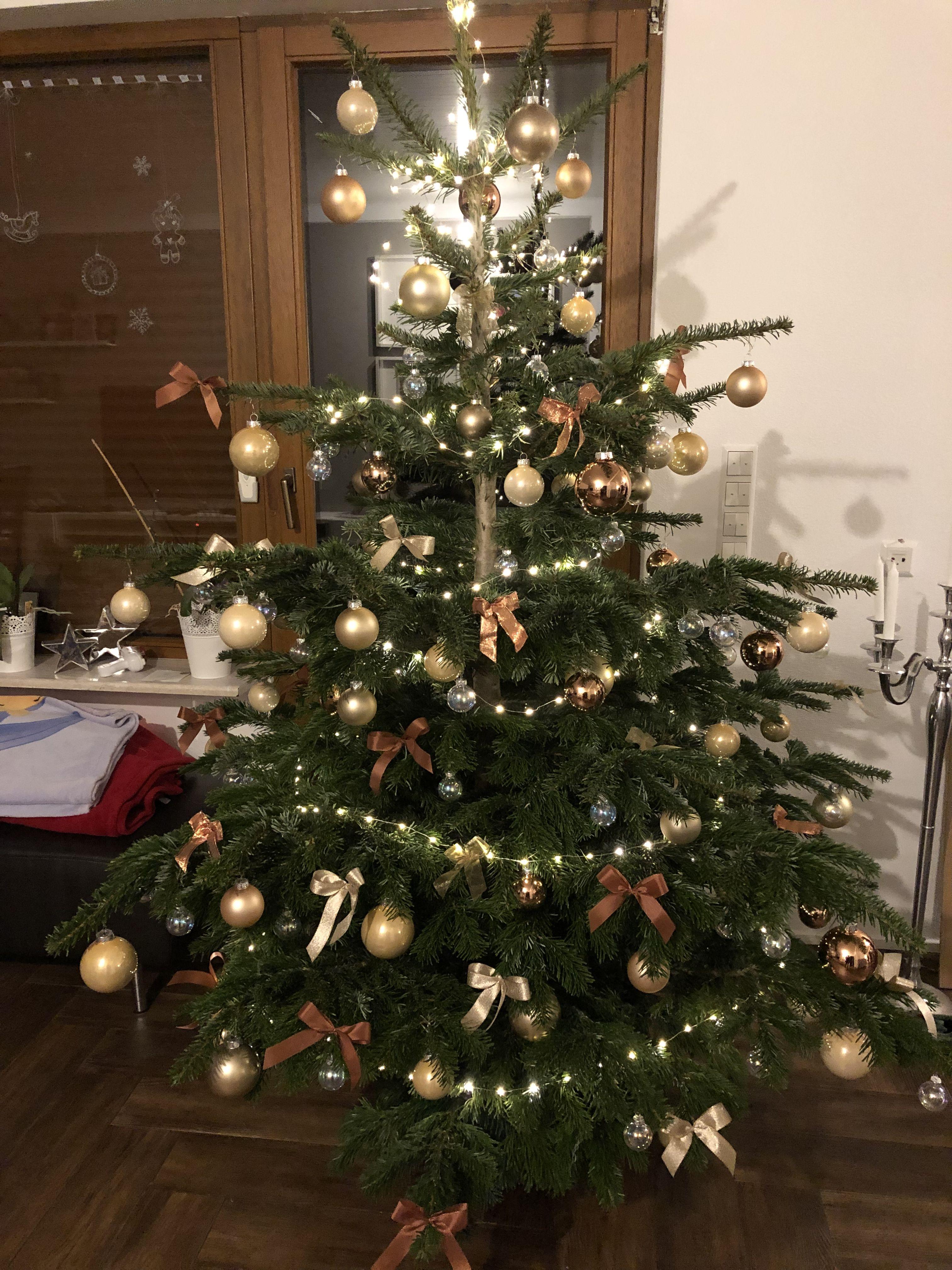 Schleifen Weihnachtsbaum.Weihnachtsbaum Kupfer Rosegold Mit Schleifen Weihnachten