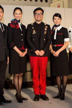 cf7a00fddf5991 写真1/60|ケイタ マルヤマの丸山敬太が、JAL客室乗務員の新しい制服を ...
