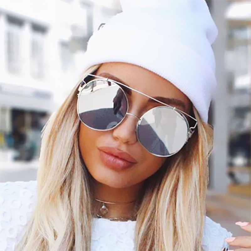 Frame Round sunglasses trend for women advise dress for on every day in 2019