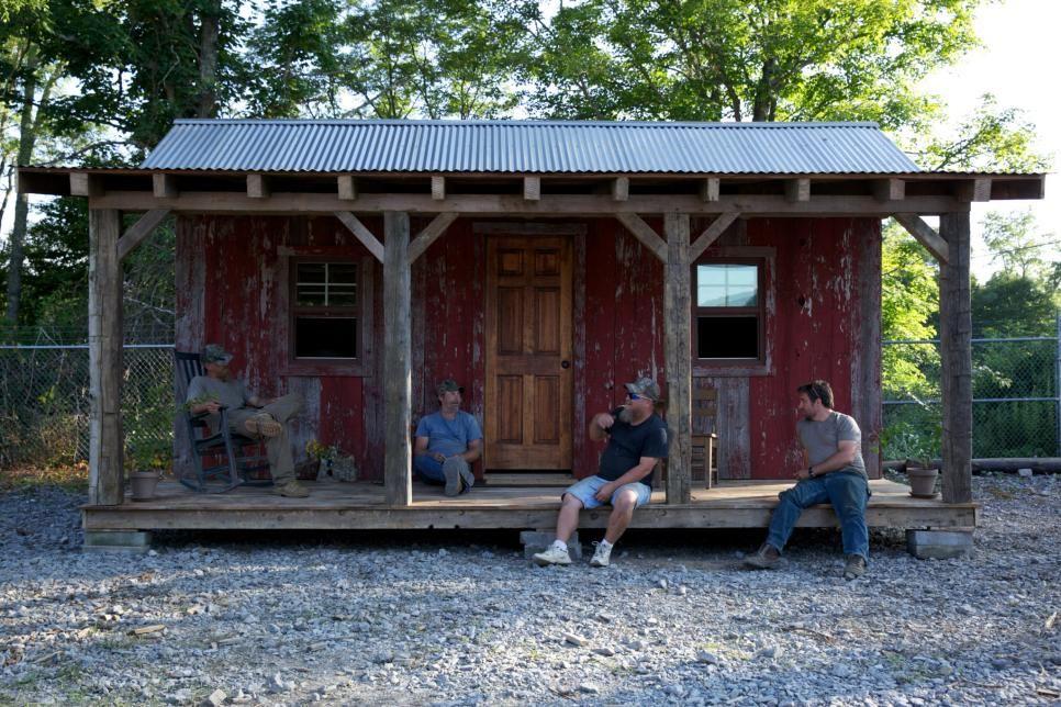 Amazing salvage jobs from diy networks barnwood builders