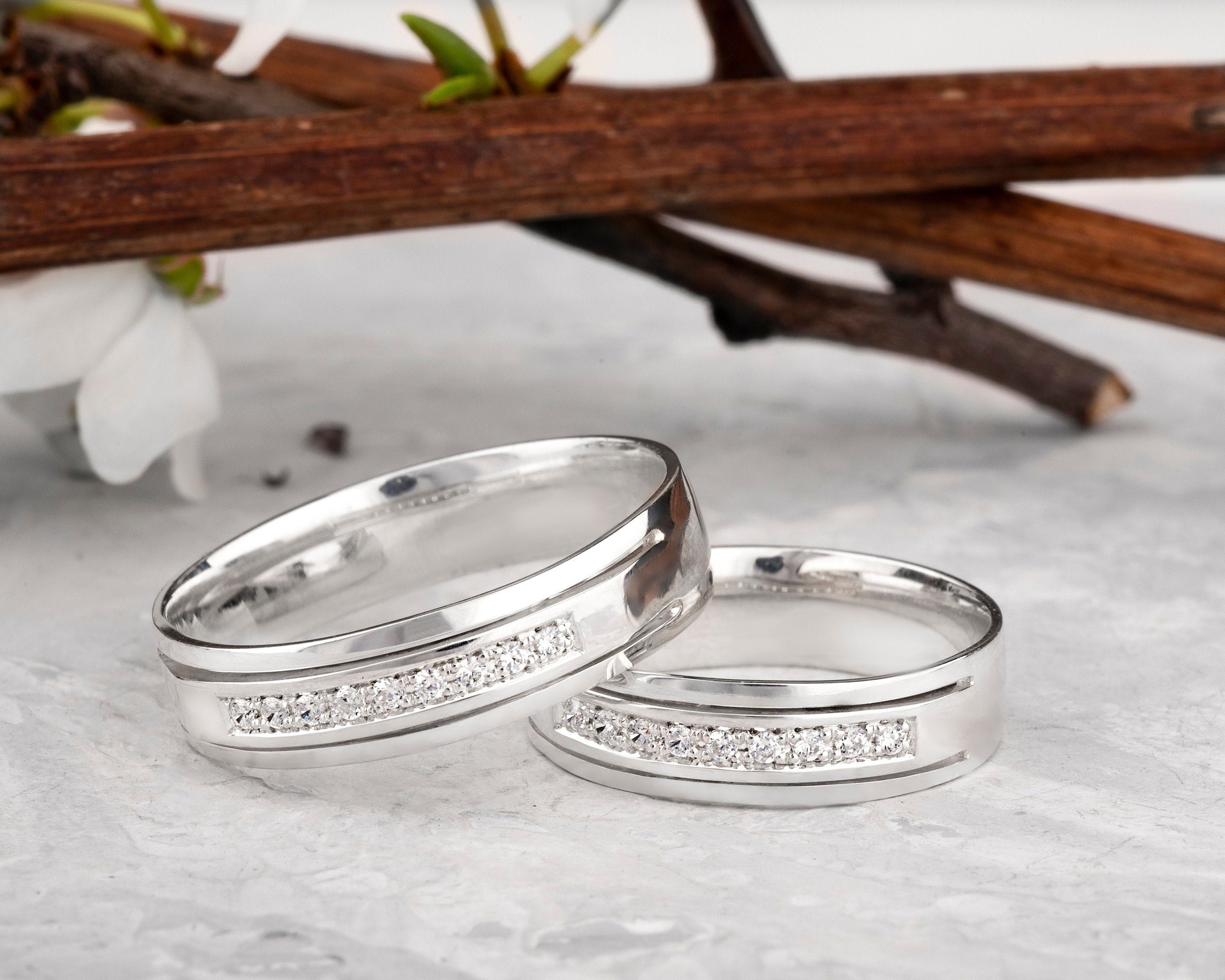 Sterling Silver Couple Promise Rings Silver Matching Wedding Bands Set With Cubic Zirconia Wo In 2020 Promise Rings For Couples His And Hers Rings Mens Wedding Bands