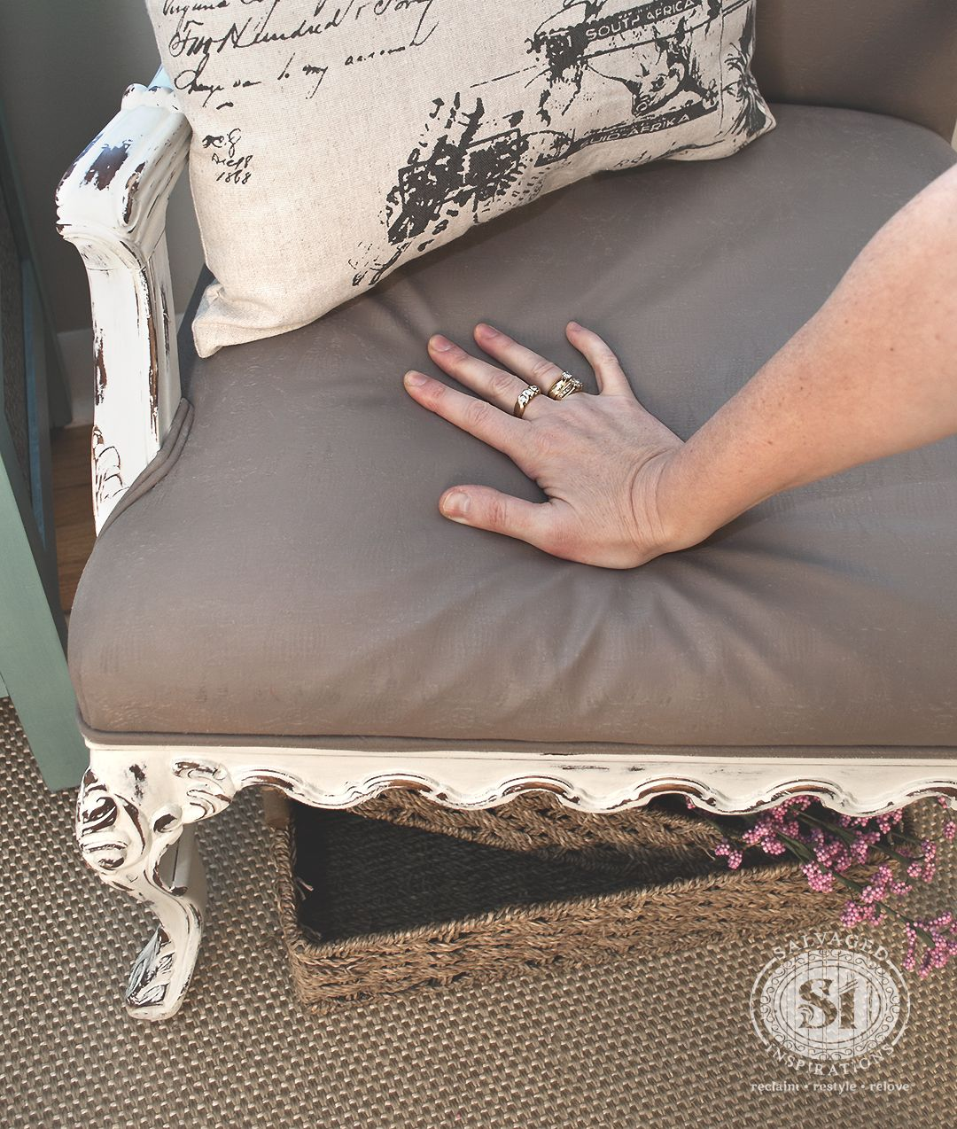 Painting Fabric With Chalk Style Paints Granny Chair Makeover Painting Fabric Furniture Painting Fabric Chairs Painting Upholstered Furniture