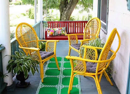 Spray-paint old outdoor furniture to give it a brand-new look.