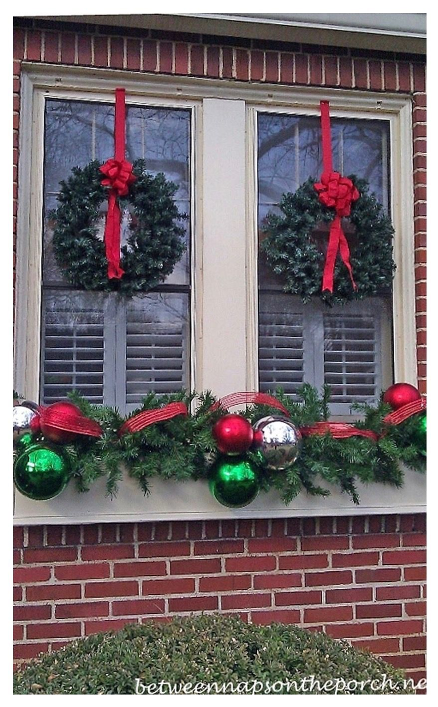 this article is here to help you with the physical preparation it showcases no less than 30 insanely beautiful last minute christmas windows decorating id - Window Wreaths Christmas Decorations