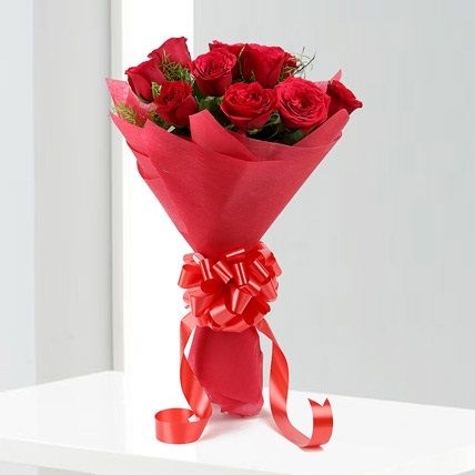 Idea By Nawras On Hope Online Flower Delivery Beautiful Bouquet Of Flowers Red Rose Bouquet