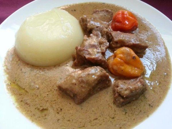 Cuisine Togolaise, le Fufu à la sauce d'arachide. Une Tuerie!