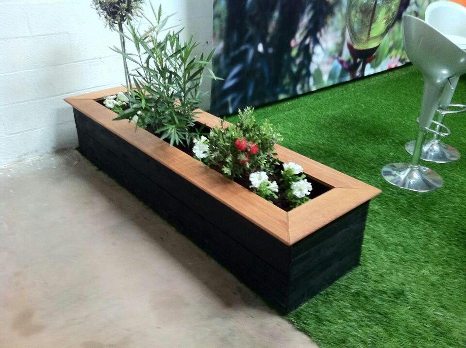 bac fleurs en palettes terrasse garde. Black Bedroom Furniture Sets. Home Design Ideas