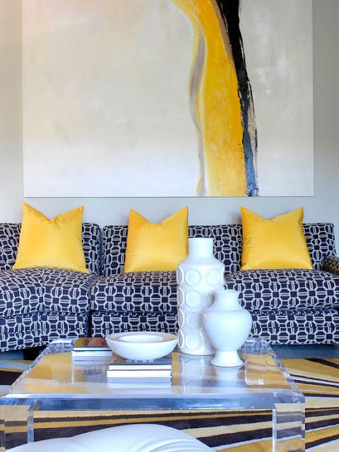 Superieur Love The Blue Patterned Sofa Accented With Yellow