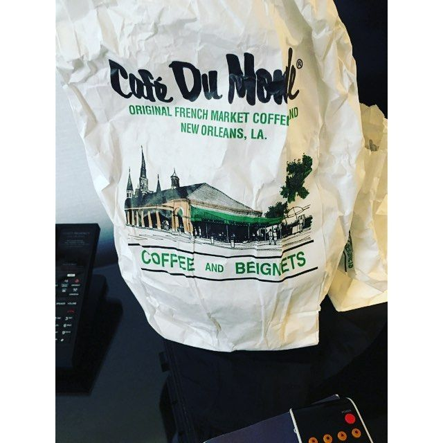 Can't get enough of these... Shut I better find a way to! And fast but they're just so good!!!  @cafedumondeofficial #cafedumonde #beignets #coffee #neworleans by nikafabchic