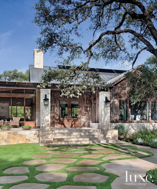 Modern Ranch Home Designs: Exterior Of Neutral Contemporary Home