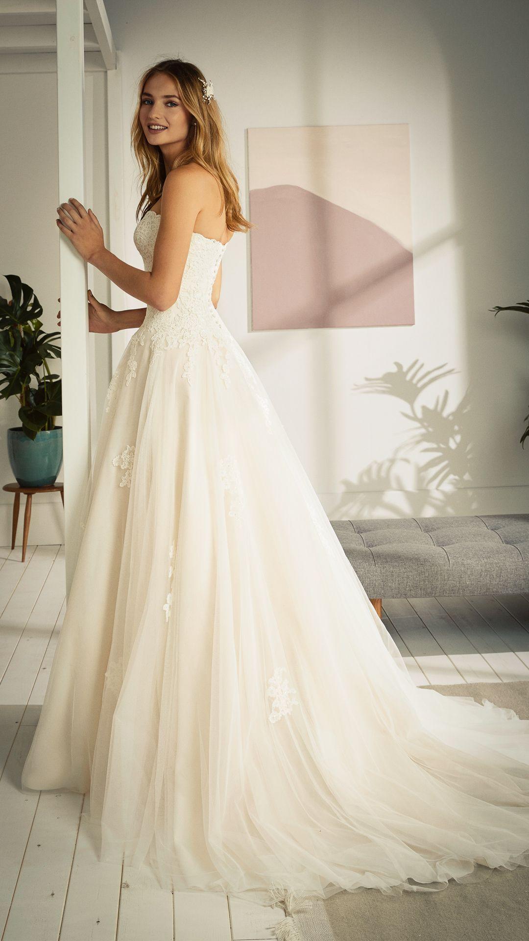 Pin von Brautmoden Bösckens auf abito in 20  Kleid hochzeit