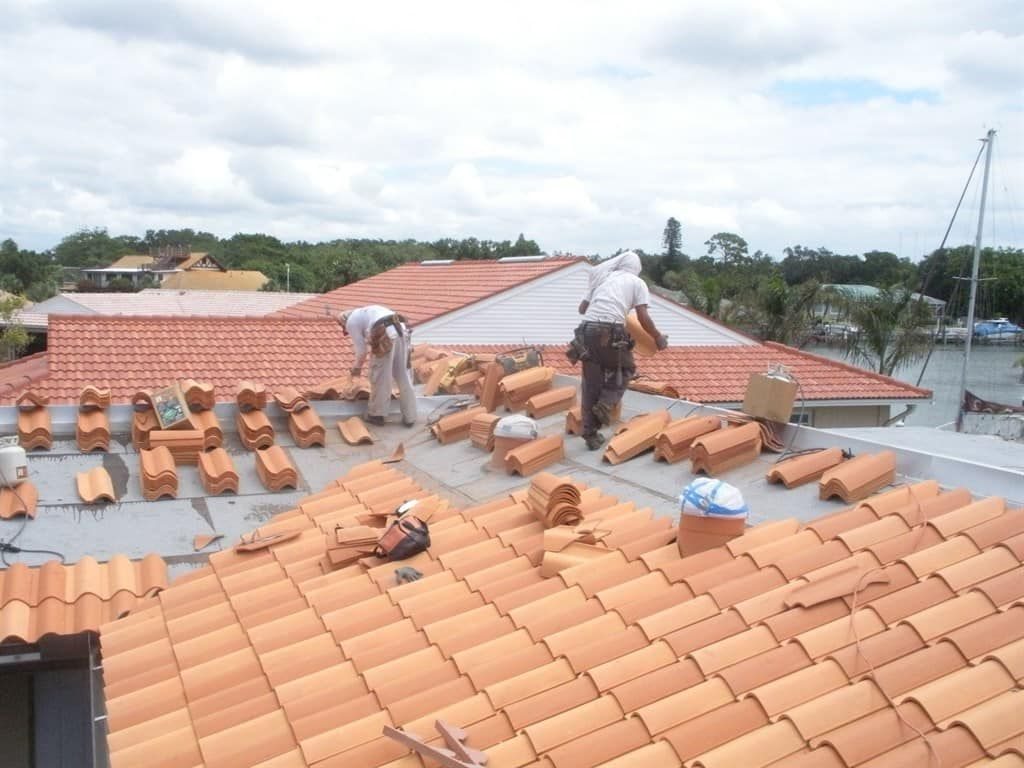 Tile Roof Replacement Per Square Foot In 2020 Replace Roof Roof Tiles Image House