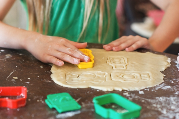 Cute photography gifts (pictured - camera cookie cutters!)