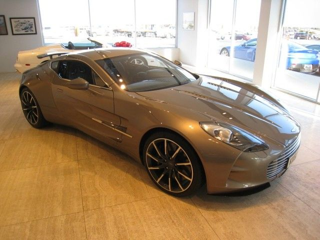 2011 Aston Martin One77 price tag is only 1,700,000