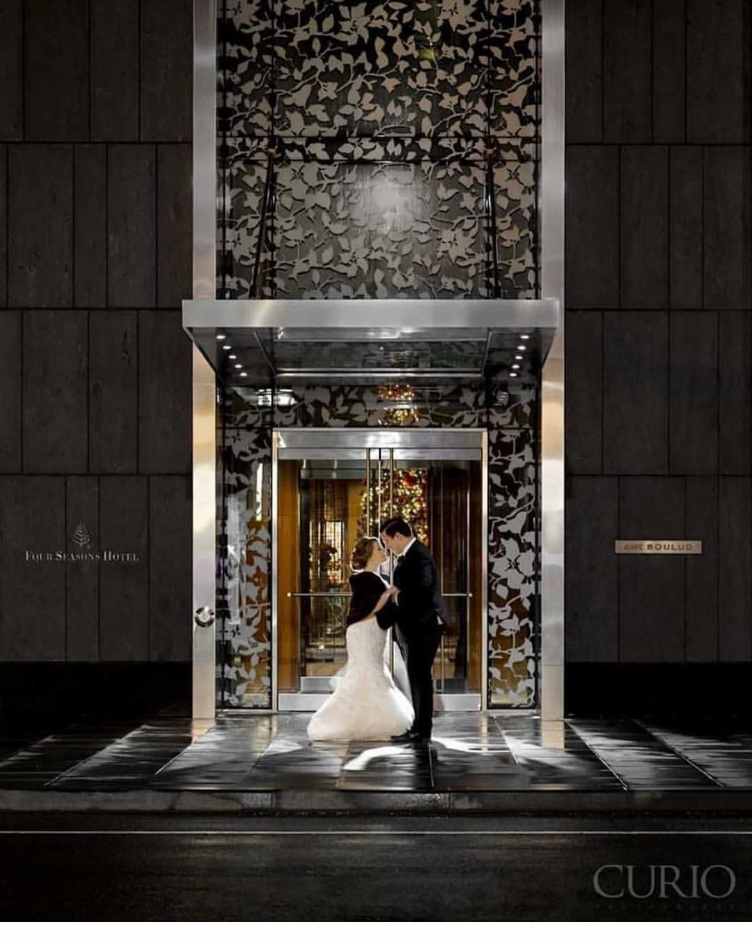 New Years Eve Wedding at the Four Seasons Hotel Toronto 📷 credit Curio Studios