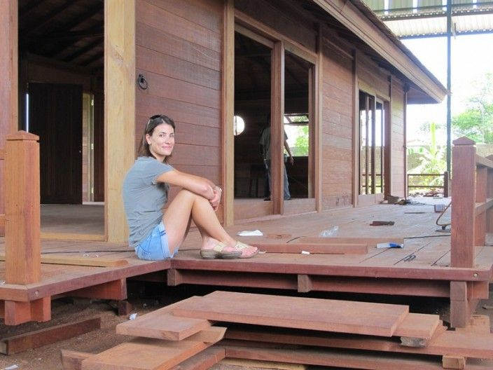 Usine fabricant de maison ossature bois massif mobiteck construction chalet bois maison bois for Fabricant maison bois