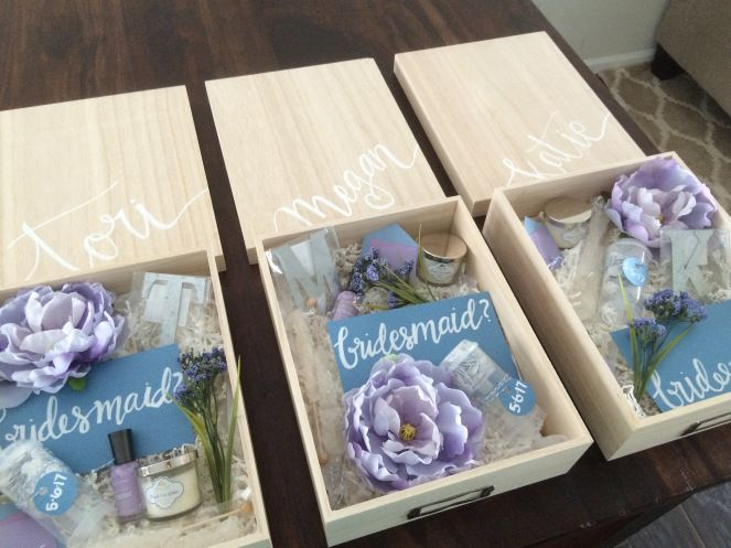 Diy bridesmaid boxes crafty me pinterest box for Bride gifts from bridesmaid