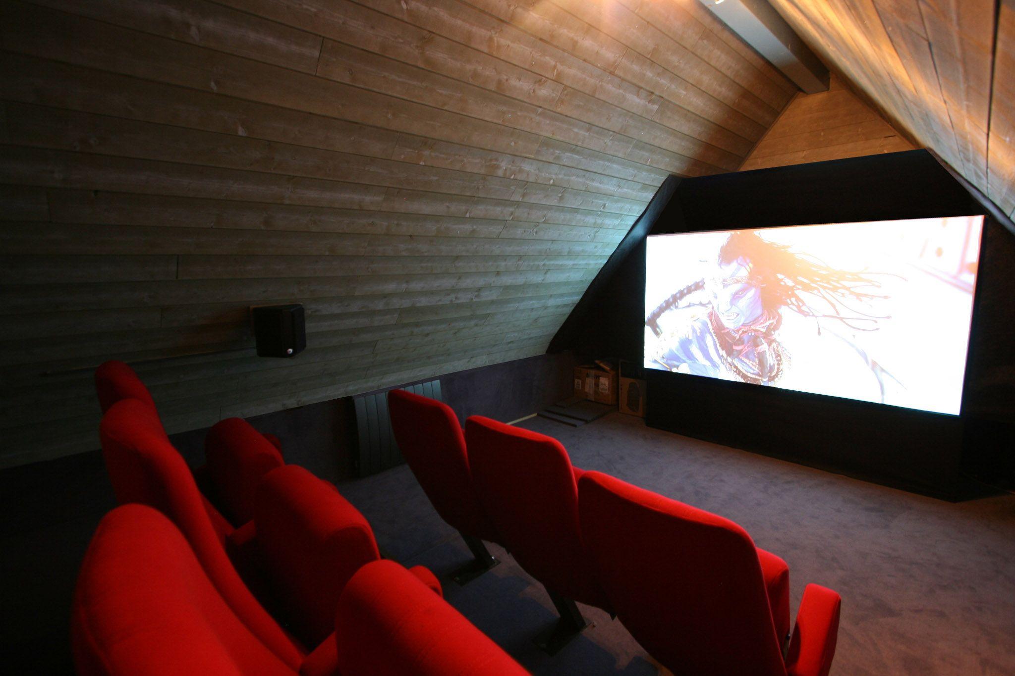 Comble Cinema Salle De Cinema Maison