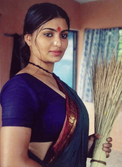 Desi Milf In Saree
