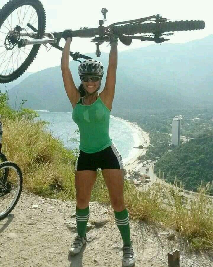 Dating Woman Bike Mountain)