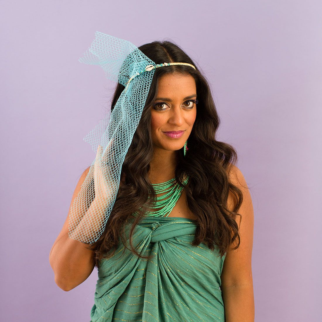 How to Style Perfect Beach Waves for Your Mermaid Costume | Brit + Co