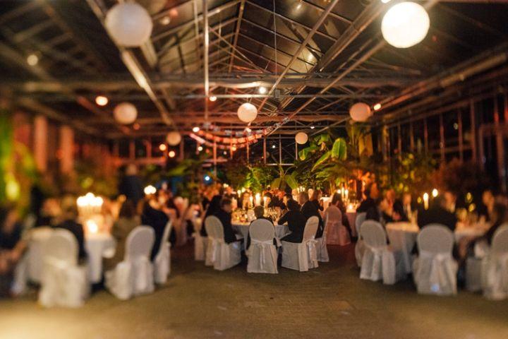 NM  Hochzeit im Plangarten Stuttgart  Location  Stuttgart Wedding und Table decorations