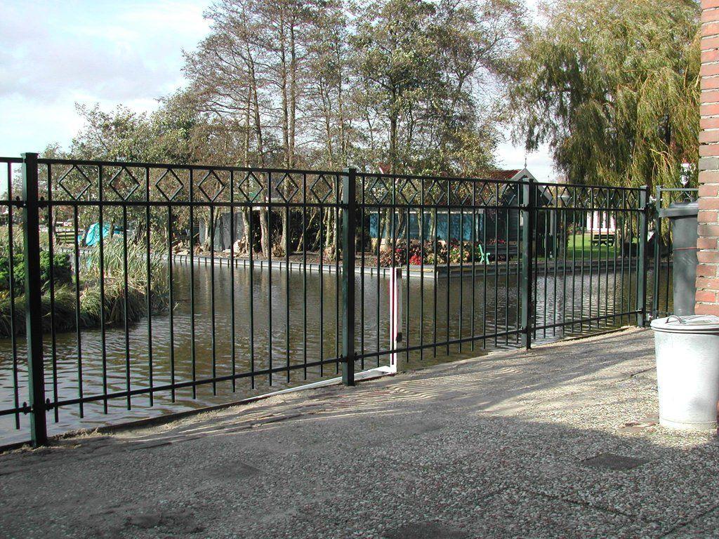 model-assumburg-2. Maatwerk sierhekwerk van metaal voor tuin, voortuin en balkon.