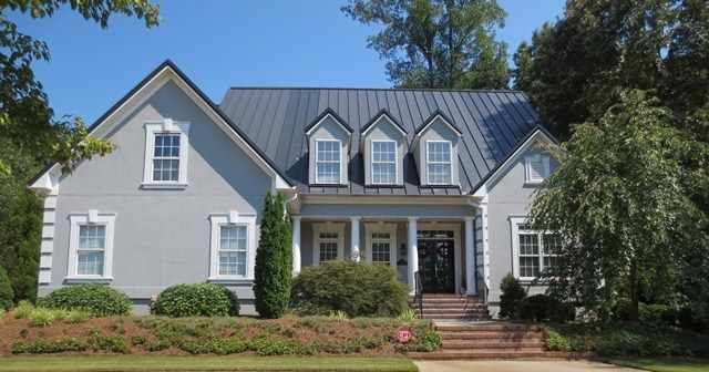 Spartanburg Sc Homes For Sale 689 000 To 535 000 White Stucco House Stucco Homes Metal Roof
